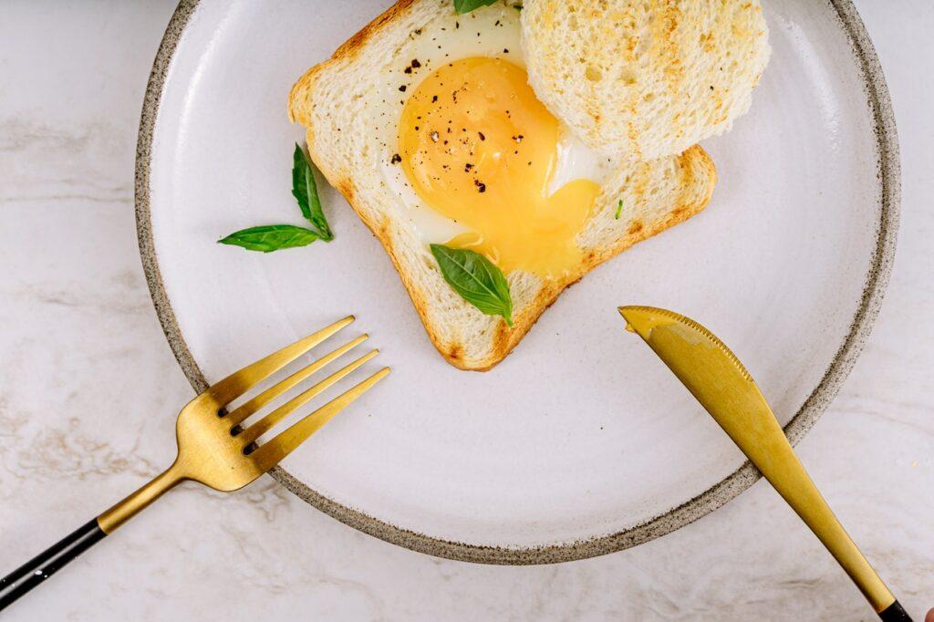 toast s volským okem